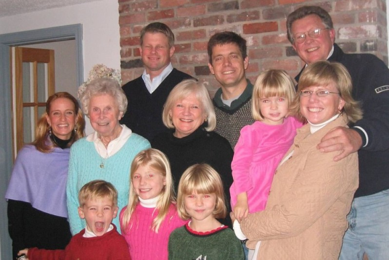 2006 Grandma Ellie family pic